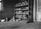 Aution talon maitokamari Kiannalla. Kuva: Samuli Paulaharju, 1916, museovirasto